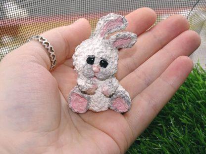 trauriges weißes Bunny